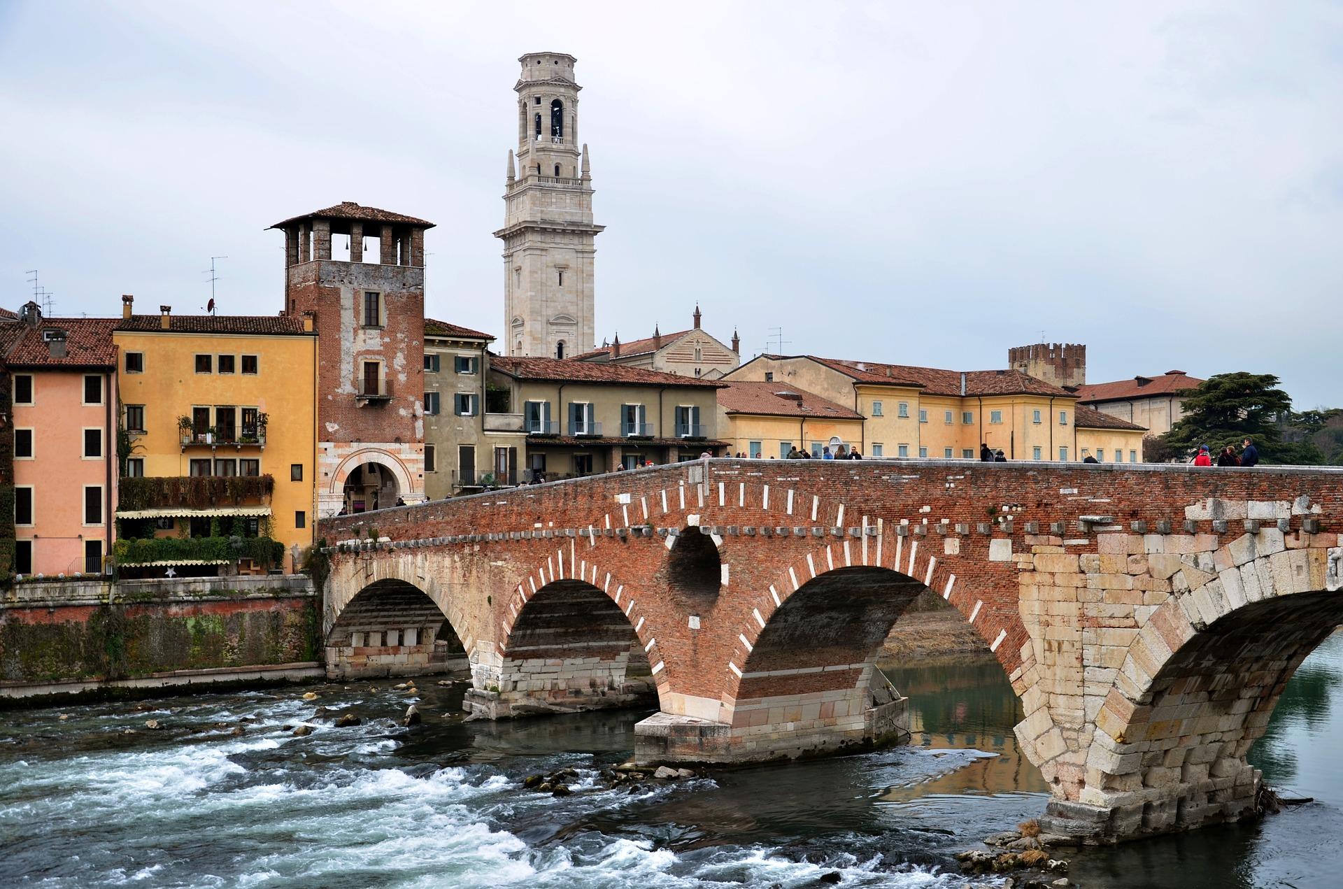 Le migliori città italiane per gli innamorati